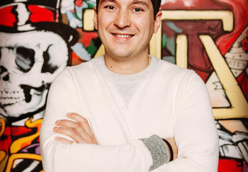 Блогер Артем Хачатуров
