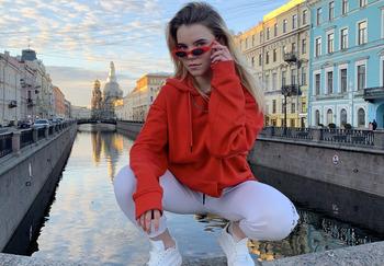 Блогер Арина Дудолева