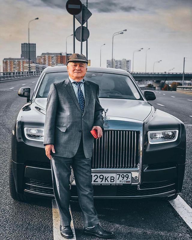 Блогер Руслан Енилеев