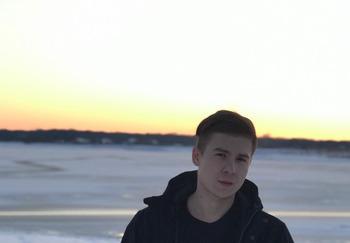 Блогер Артём Доброшенко